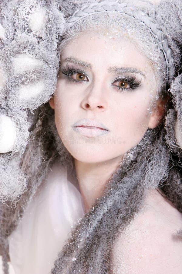 idérik makeup för modeflickahår arkivbilder