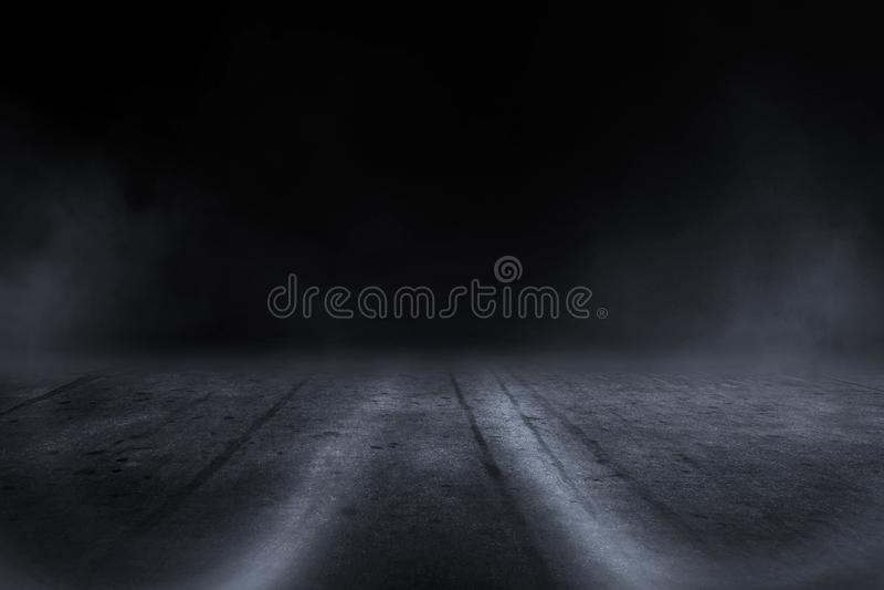 Idérik oskarp utomhus- asfaltbakgrund med mistljus högt arkivfoton