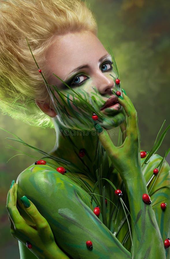Idérik skönhet som skjutas med huvuddel-konst