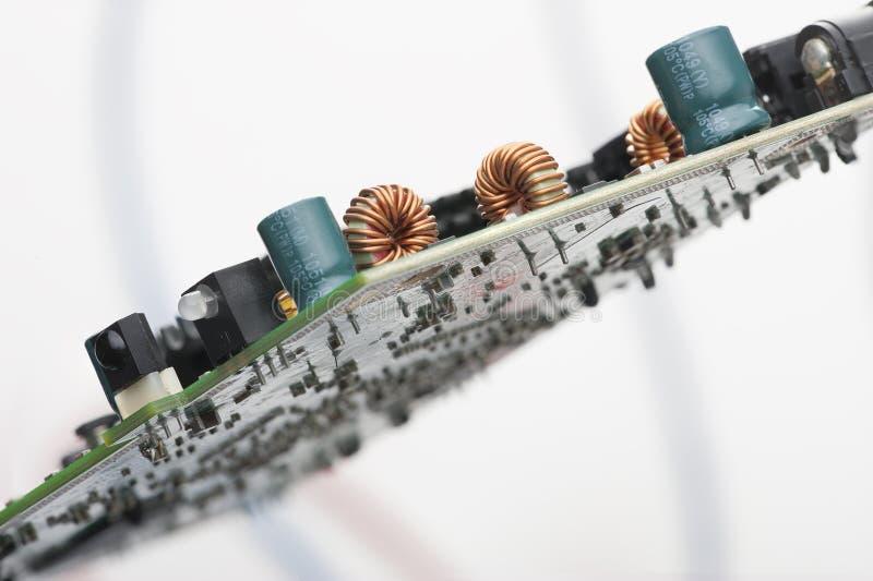 Idérikt abstrakt för affärsteknologi för elektronisk bransch begrepp: makrosikt av gruppen av datoren royaltyfri foto