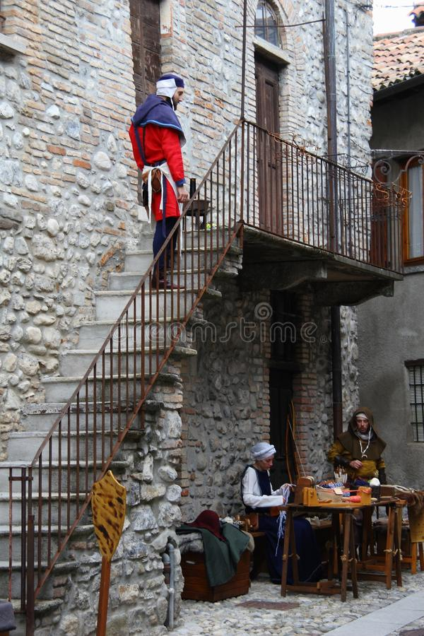 A Idade Média no mercado medieval de Erba - distrito de Villincino domingo 13 de maio de 2018 imagens de stock royalty free