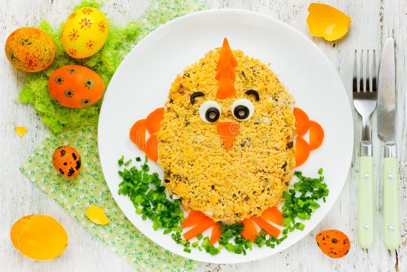 Idea creativa del arte de la comida en el partido de la comida de Pascua para los niños foto de archivo