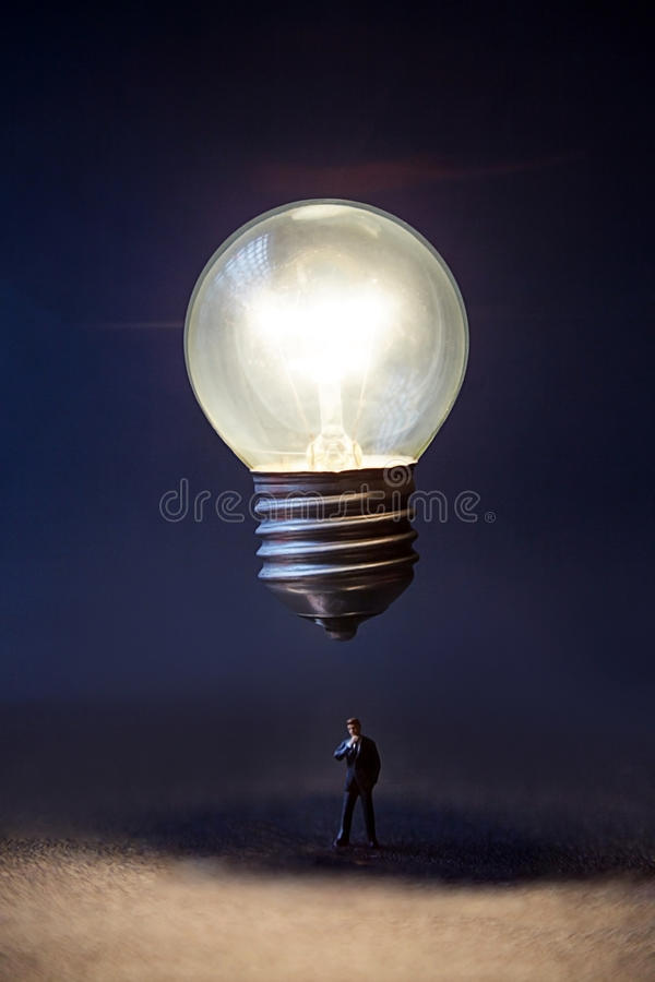 Idea del bulbo encendido imagen de archivo libre de regalías