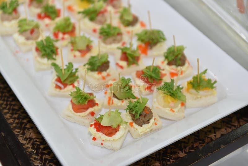 Idea deliciosa y fácil del comida para comer con los dedos, comida preferida del cóctel en pincho imagen de archivo libre de regalías