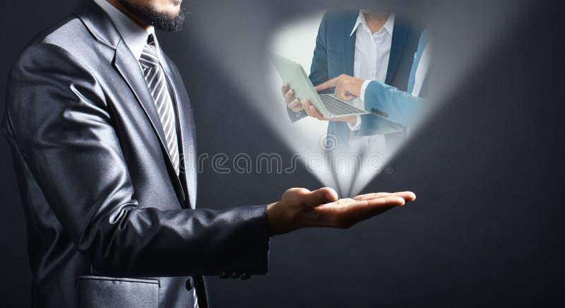 Idea dell'uomo d'affari a disposizione fotografia stock libera da diritti