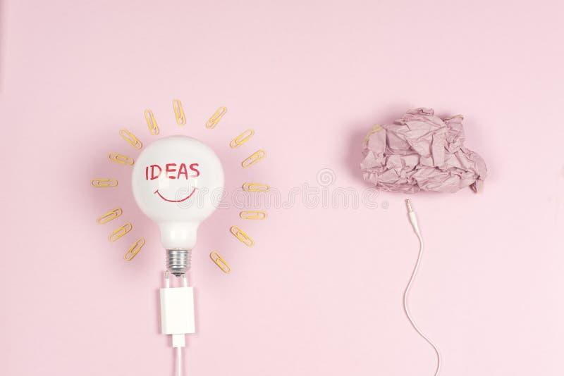 Idea di affari di concetto di lampo di genio, innovazione e soluzione creative, progettazione creativa immagine stock libera da diritti