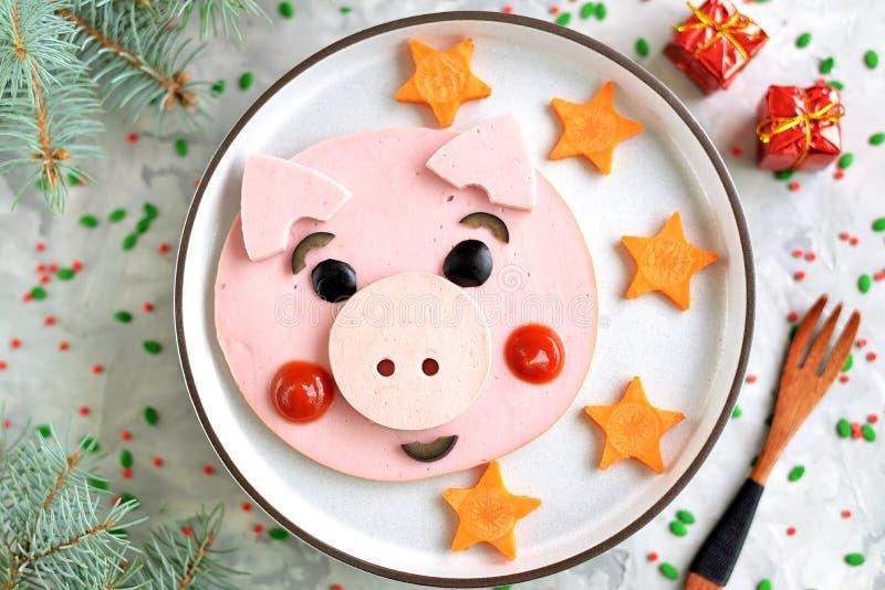 Idea linda del arte de la comida del cerdo para el desayuno 2019 de los niños Visión superior fotos de archivo libres de regalías