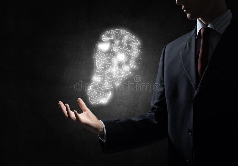 Idea luminosa per il raggiungimento di successo immagine stock libera da diritti