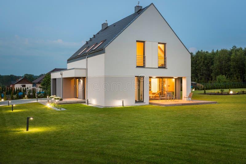 Ideal de la nueva casa para la familia fotografía de archivo libre de regalías