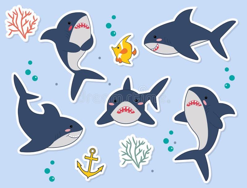 Ideal para etiquetas, pinos ou remendos Caráteres engraçados do catoon dos tubarões com os peixes, seaplant, bolhas no vetor ilustração royalty free