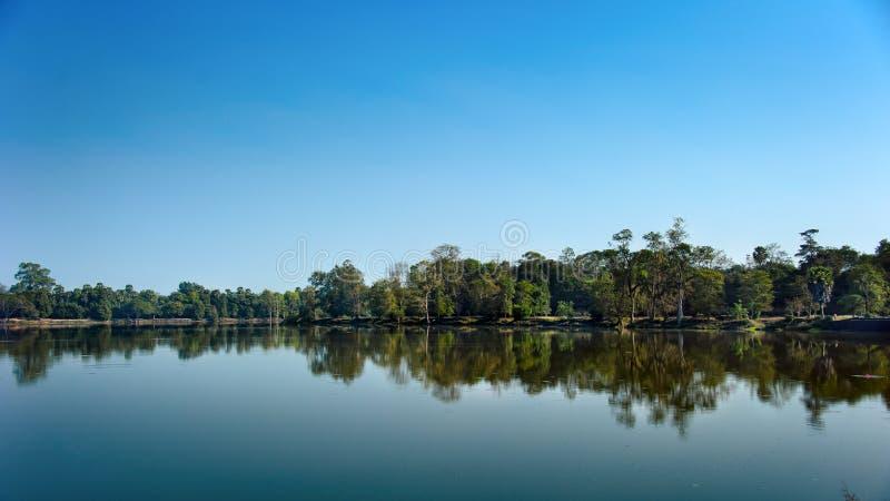 Ideale symmetrie Meer in Kambodja 10-01-2014 stock fotografie