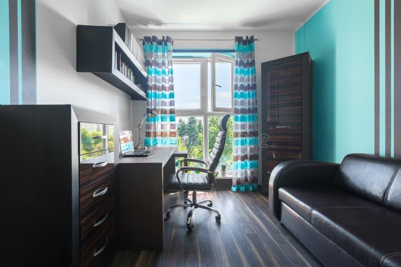 Idealt utrymme som hemma arbetar arkivbild