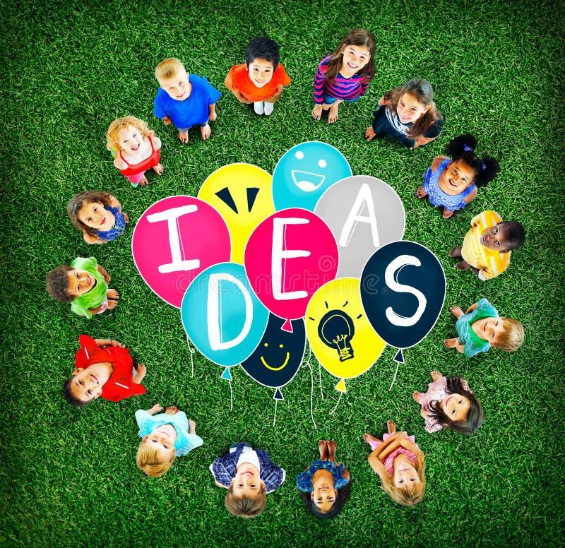 Ideas que piensan concepto de la creatividad de la inspiración del concepto libre illustration