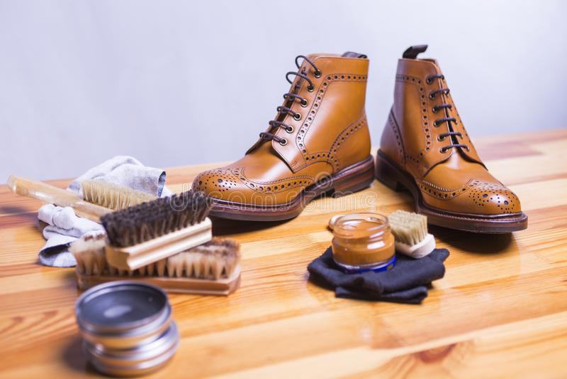 Ideas y conceptos del calzado Primer de Tan Brogue Leather Boots superior imagenes de archivo