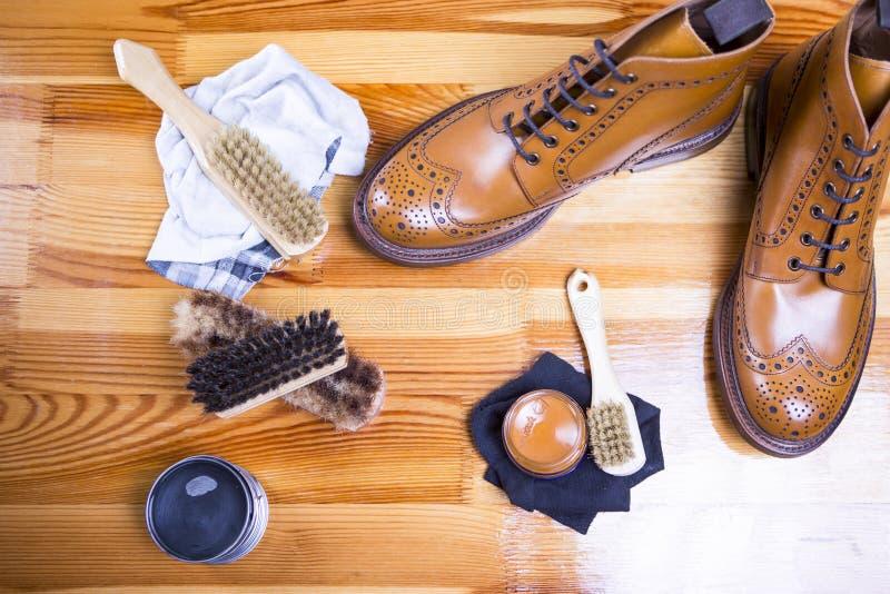 Ideas y conceptos del calzado Primer de Tan Brogue Leather Shoes superior fotografía de archivo