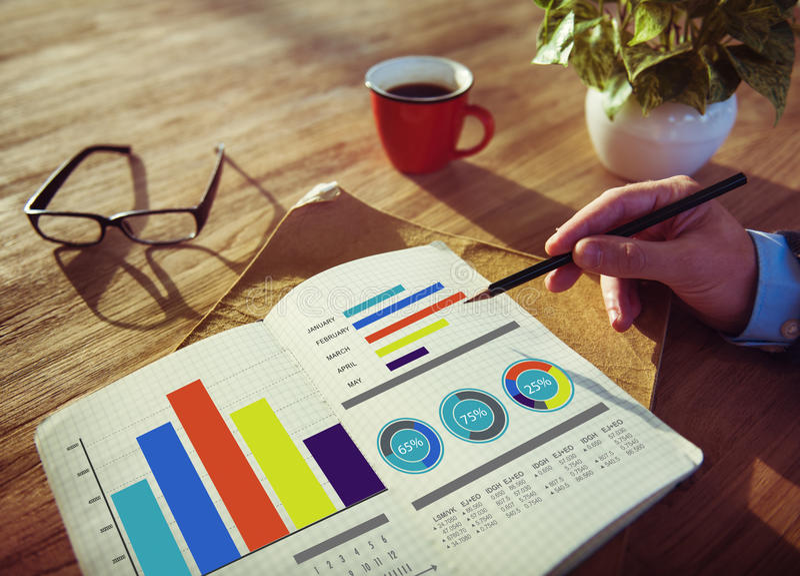 Idee di progettazione di strategia di marketing di affari che lavorano concetto fotografie stock libere da diritti