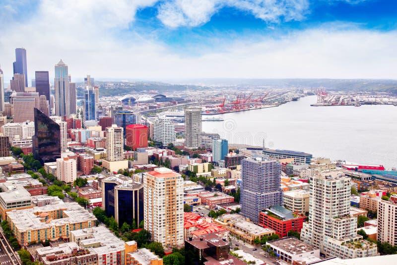 Ideia aérea da área do centro de Seattle e de metro fotografia de stock