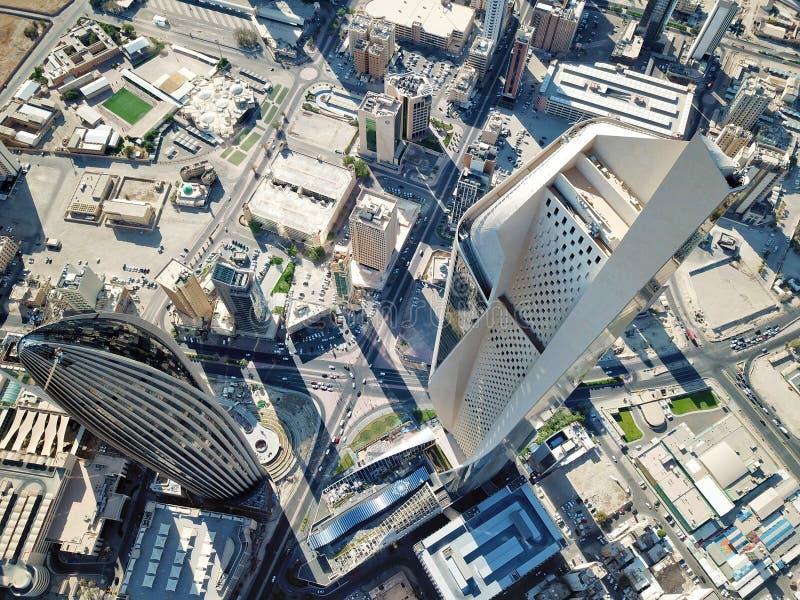 Ideia aérea da arquitetura moderna do centro da Cidade do Kuwait foto de stock