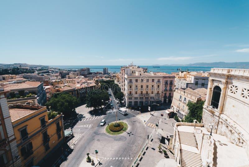 Ideia aérea da capital de Sardinia imagens de stock