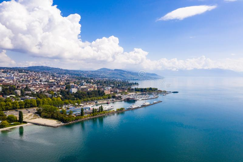 Ideia aérea da margem de Ouchy em Suíça de Lausana foto de stock royalty free