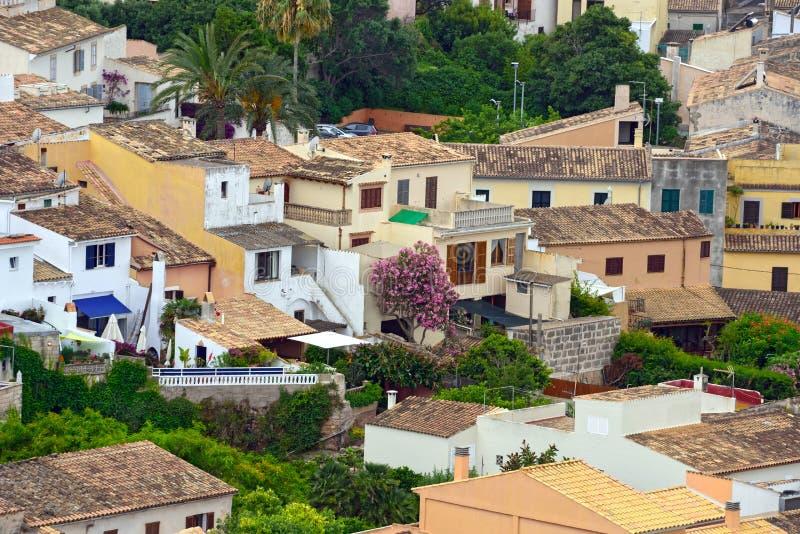 Ideia aérea da municipalidade velha de Capdepera como visto da parede do castelo Ilha Majorca, Espanha fotografia de stock royalty free