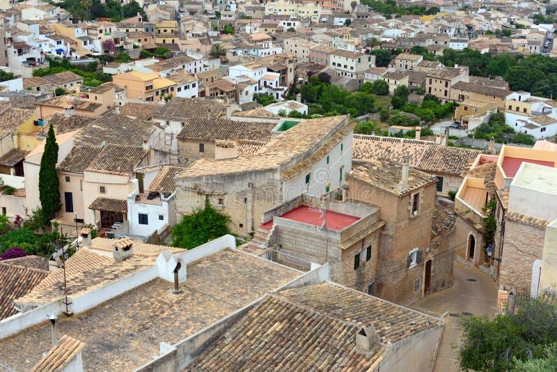 Ideia aérea da municipalidade velha de Capdepera Ilha Majorca, Espanha fotografia de stock royalty free