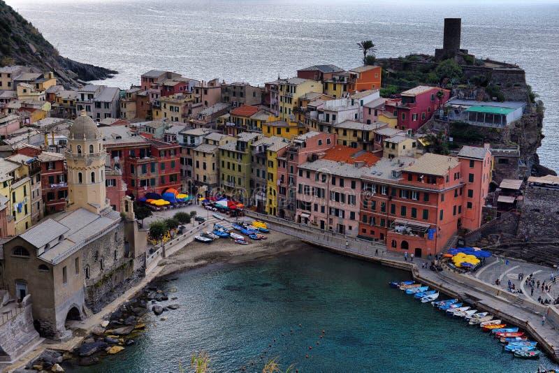 Ideia aérea da pesca de Vernazza, Cinque Terre National Park fotografia de stock royalty free