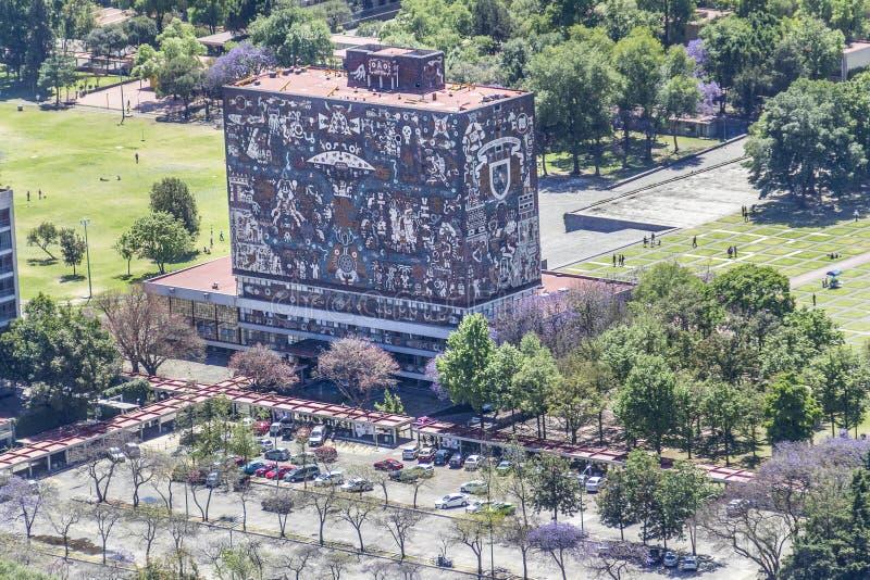 Ideia aérea da reitoria autônoma da universidade de Cidade do México imagens de stock royalty free