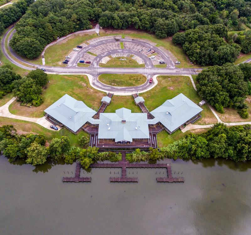 Ideia aérea do centro da natureza de 5 rios no forte espanhol, Alabama fotos de stock