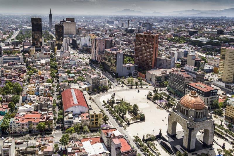 Ideia aérea do centro de Cidade do México um monumento da revolução imagem de stock
