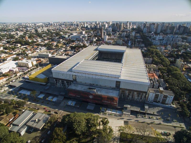 Ideia aérea do estádio de futebol do clube atlético do paranaense Baixada da Dinamarca da arena curitiba parana Em julho de 2017 foto de stock royalty free