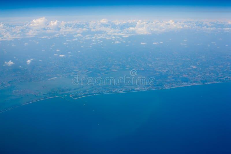 Ideia aérea do litoral foto de stock royalty free