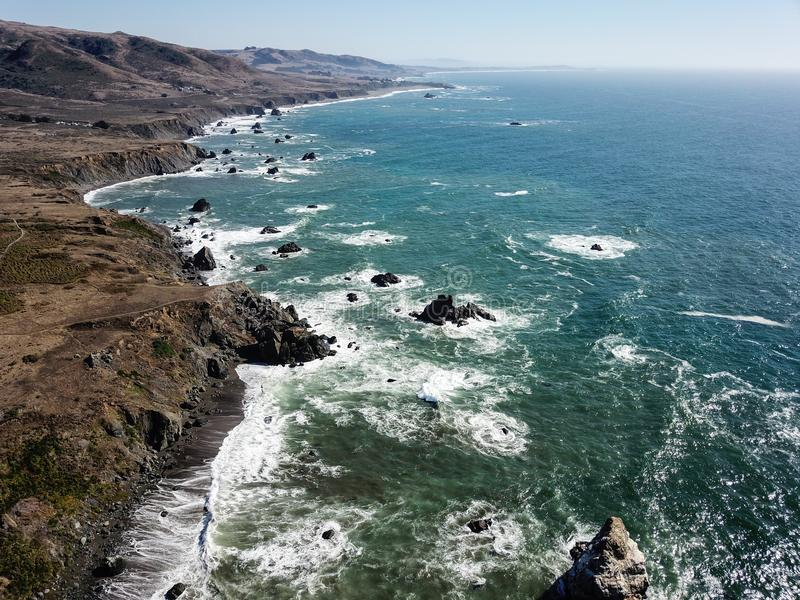 Ideia aérea do litoral de Sonoma em Califórnia imagem de stock