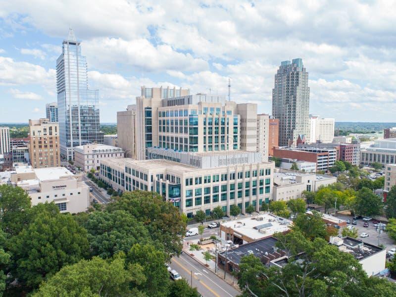 Ideia aérea do olho do ` s do pássaro do zangão da skyline de Raleigh, NC imagens de stock royalty free