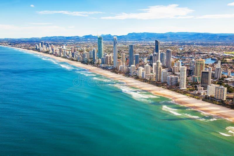 Ideia aérea do paraíso dos surfistas, o Gold Coast, Queensland, Aus imagem de stock royalty free