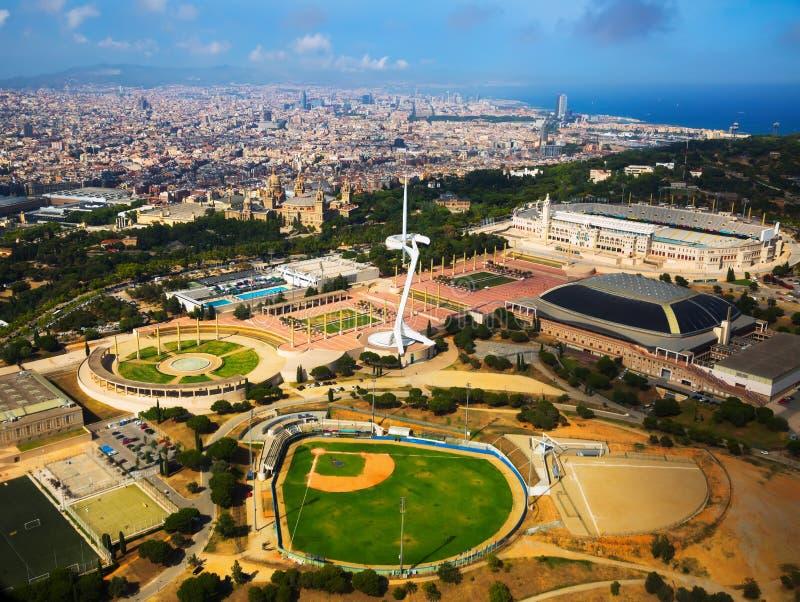 Ideia aérea dos esportes complexos em Barcelona foto de stock
