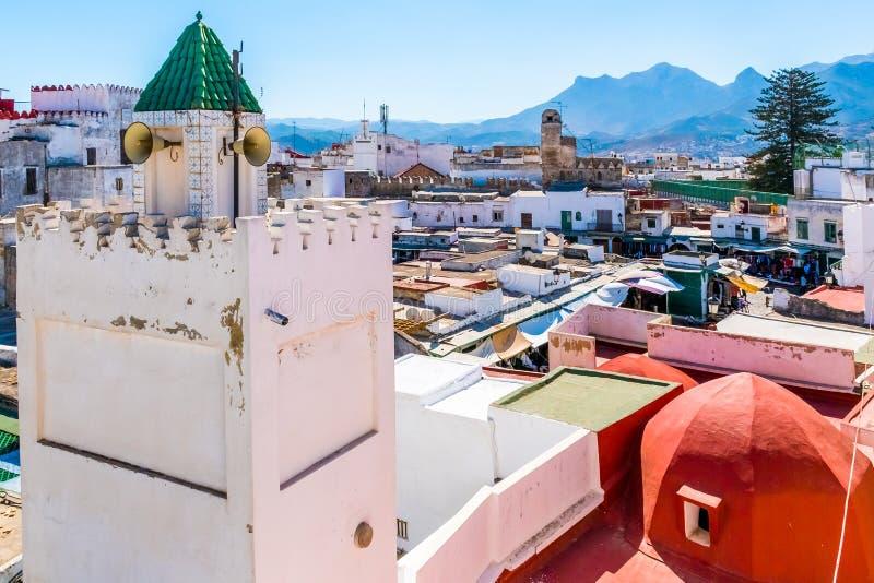 Ideia bonita da cor branca medina o a cidade de Tetouan, Marrocos, África imagem de stock