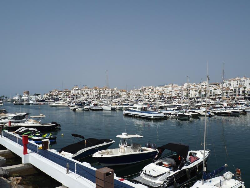 Ideia da área do porto, Puerto Banus, Marbella, Costa del Sol, província de Malaga, Andalucia, Espanha, Europa ocidental imagens de stock