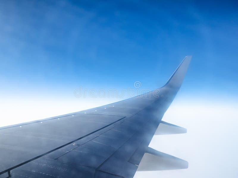 Ideia da asa de aviões e dos fenômenos do halo imagens de stock