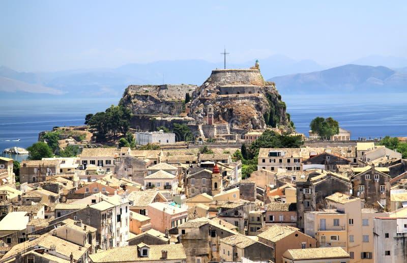 Ideia da capital da ilha de Corfu e da fortaleza velha foto de stock