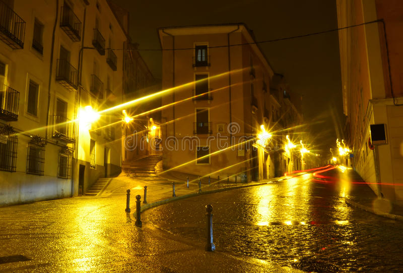 Ideia da noite do quadrado velho pitoresco em Cuenca. Espanha imagem de stock royalty free