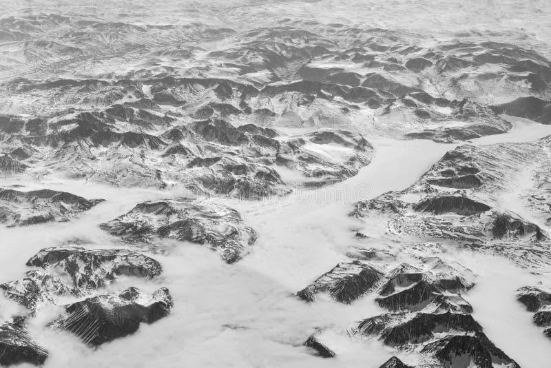 Ideia da paisagem canadense remota de um avião fotografia de stock