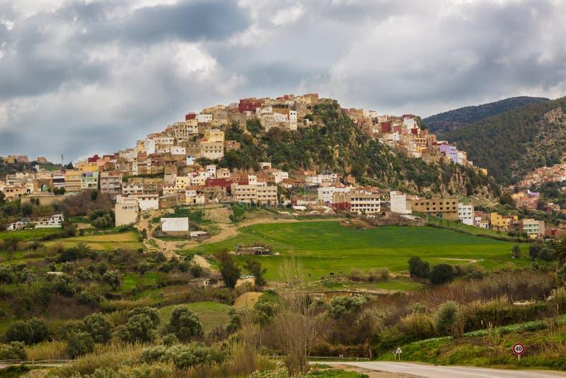 Ideia da paisagem da mola em torno da cidade do EL miliampère de Rass, Marrocos imagem de stock