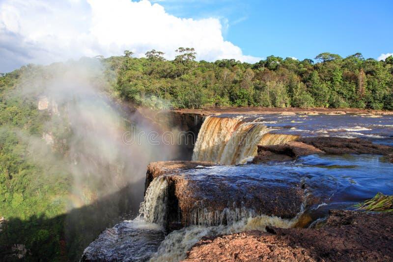 Ideia da parte dianteira do leste das quedas de Kaieteur, Guiana de Berbice do rio A cachoeira é um do waterf o mais bonito e o m fotografia de stock