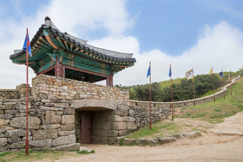 Ideia da porta norte da fortaleza de Geumjeongsanseong em Busan foto de stock royalty free