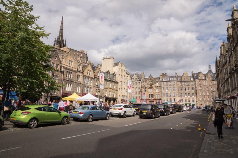 Ideia da rua da rua de Grassmarket e do quadrado, cidade velha, Edimburgo, Escócia fotos de stock royalty free