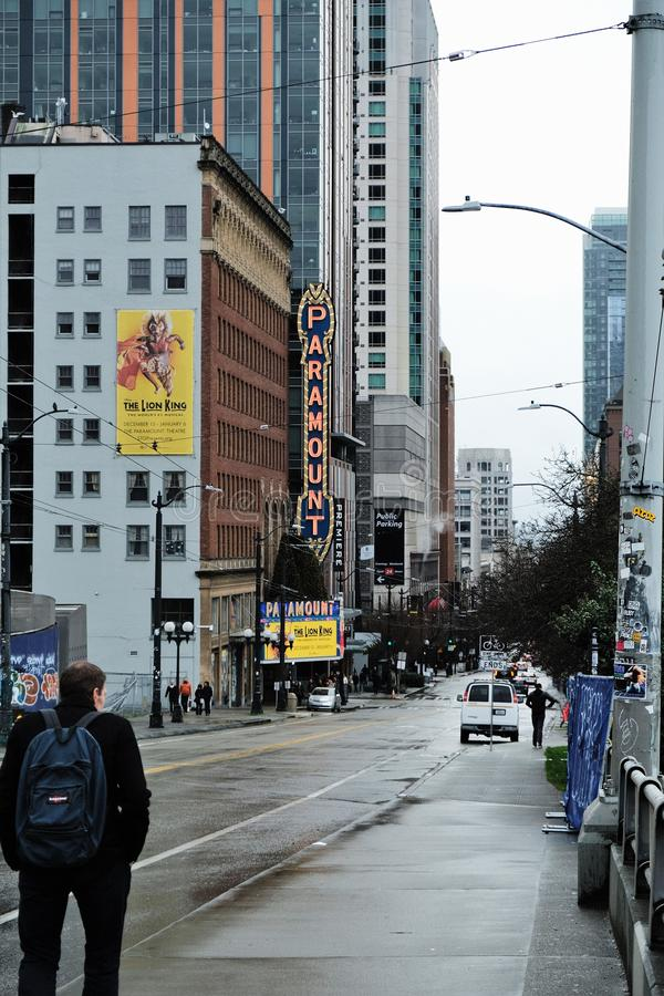 Ideia da rua do teatro de Paramount em Seattle, Washington fotografia de stock royalty free