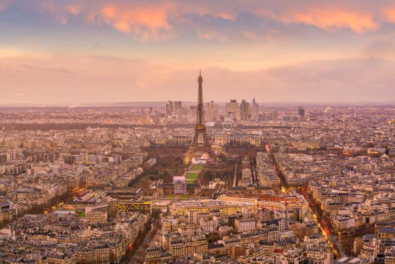 Ideia da skyline de Paris com torre Eiffel imagem de stock