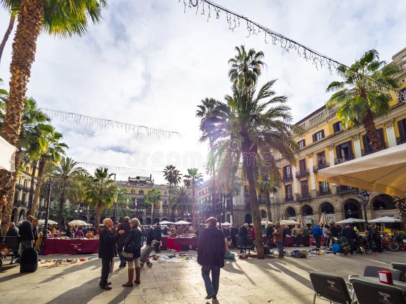 Ideia da vida no quadrado de Reial na baixa de Barcelona imagens de stock royalty free