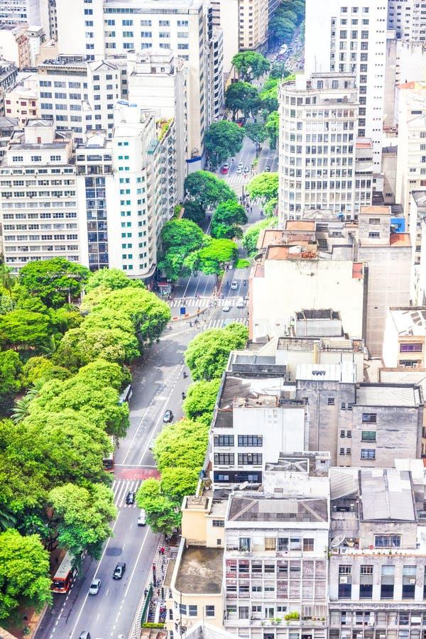 Ideia das construções e de áreas verdes em Sao Paulo imagem de stock royalty free